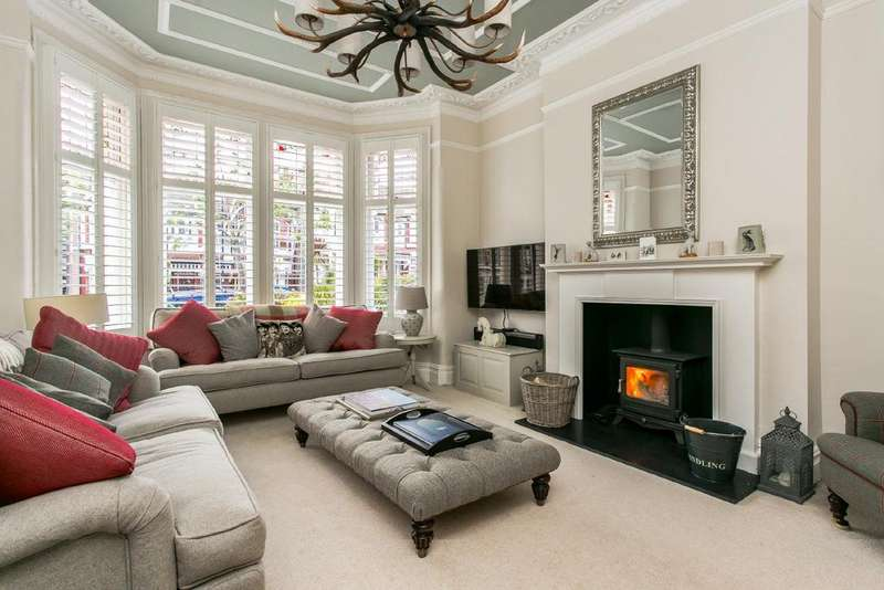 6 Bedrooms Terraced House for sale in Copley Park, Streatham