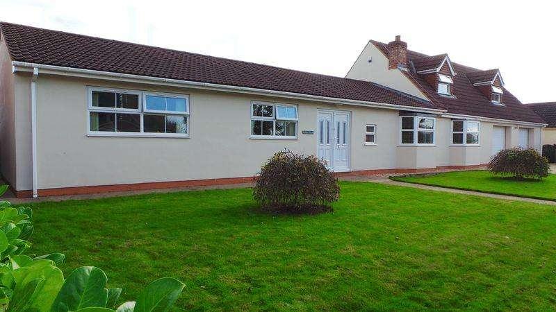 5 Bedrooms House for sale in Main Street, Gunthorpe