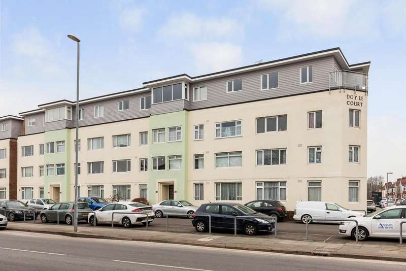2 Bedrooms Apartment Flat for sale in Doyle Court, Hilsea
