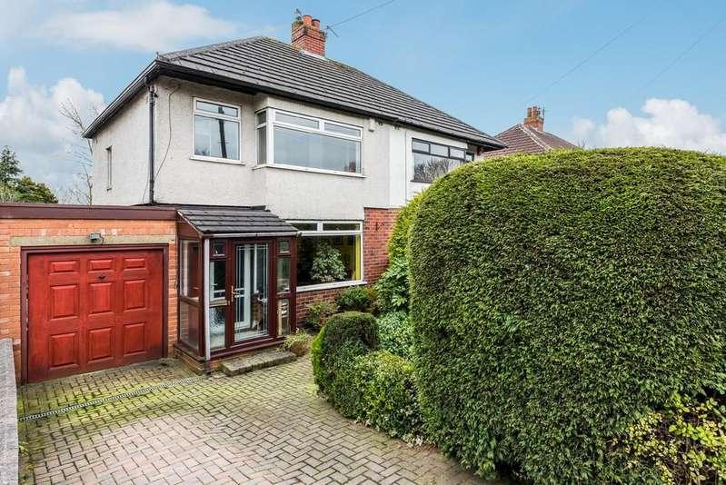 3 Bedrooms Semi Detached House for sale in Cross Lane, Birkenshaw