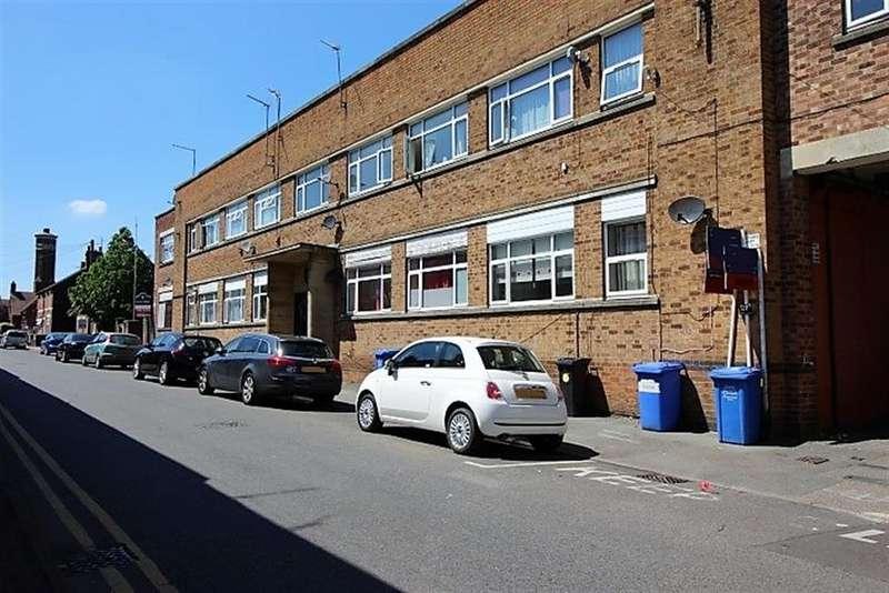 1 Bedroom Flat for sale in Wood Street, Kettering, NN16 9SD