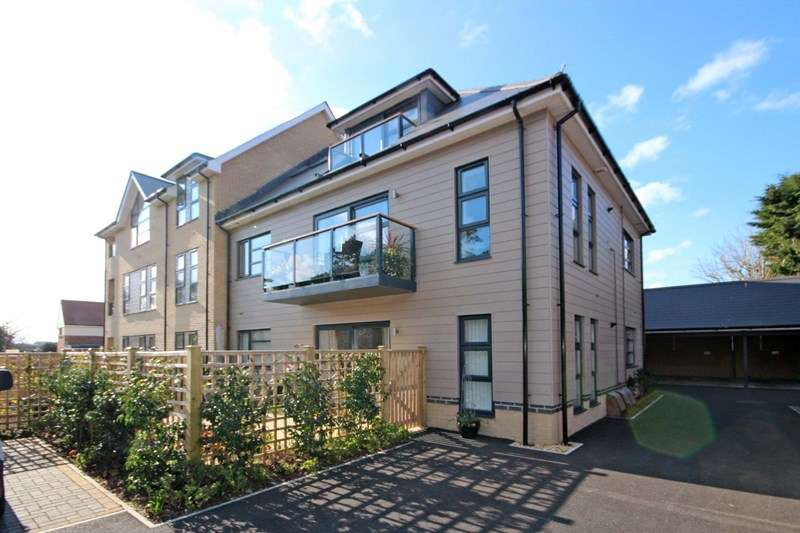 2 Bedrooms Flat for sale in Foxholes Road, Southbourne, Bournemouth
