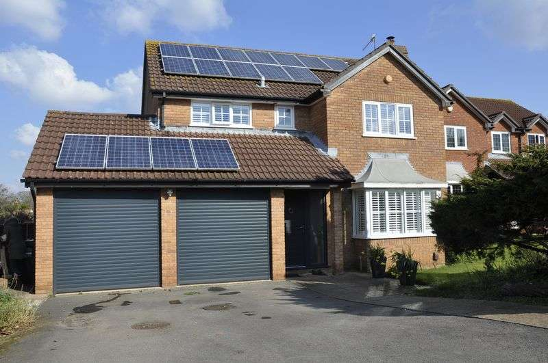 4 Bedrooms Property for sale in Robinson Close, Backwell
