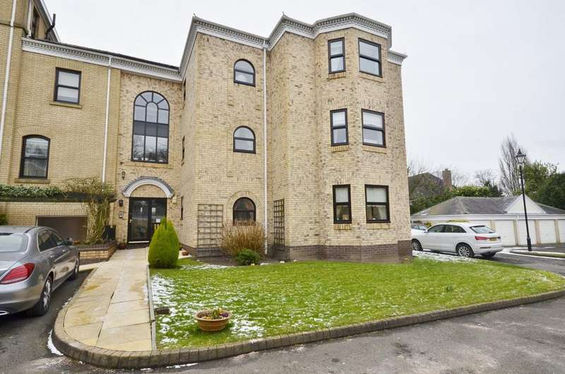 3 Bedrooms Apartment Flat for sale in Booth Road, Altrincham