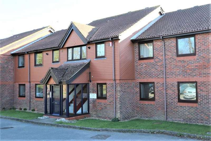 2 Bedrooms Flat for sale in Hawthorn Court, Black Path, POLEGATE, East Sussex