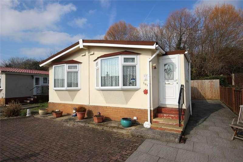 2 Bedrooms Mobile Home for sale in Woodlands Park, Almondsbury, Bristol, BS32