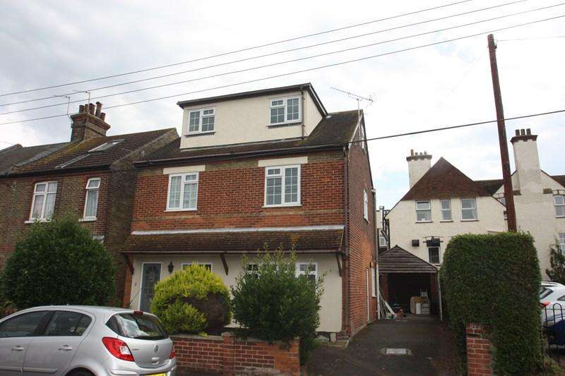 1 Bedroom Ground Flat for rent in First Avenue, Walton On The Naze
