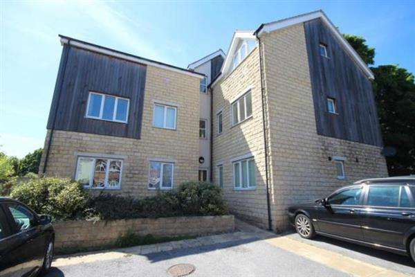 2 Bedrooms Flat for sale in St Marys View, Leeds