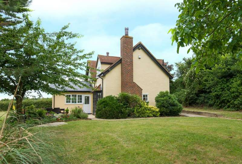 3 Bedrooms Detached House for sale in Tylers Road, Roydon Hamlet, Harlow, Essex