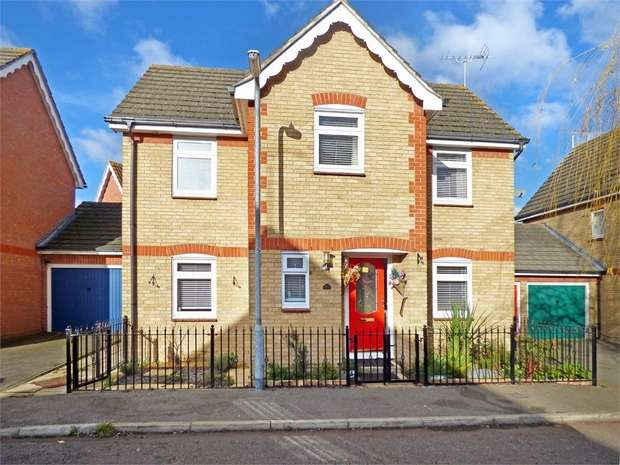 3 Bedrooms Detached House for sale in Headingley Close, Pitsea, Basildon, Essex