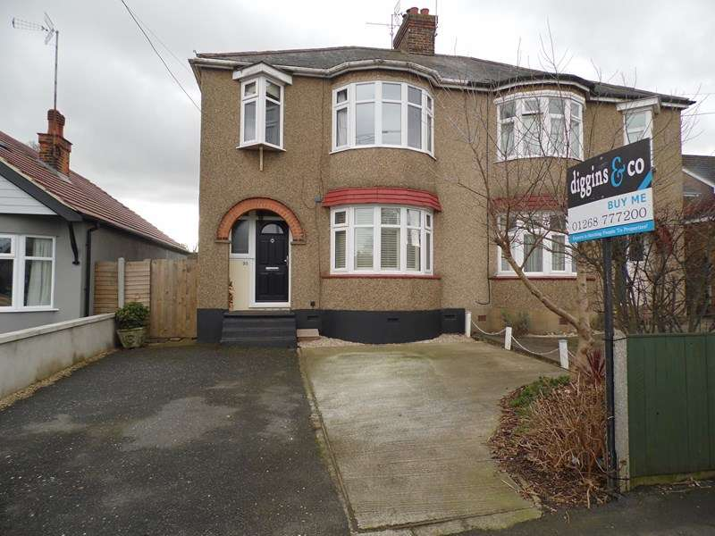 3 Bedrooms Semi Detached House for sale in Queens Road, Rayleigh
