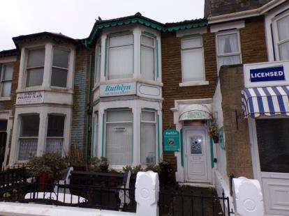 5 Bedrooms Flat for sale in Woodfield Road, Blackpool, Lancashire, FY1