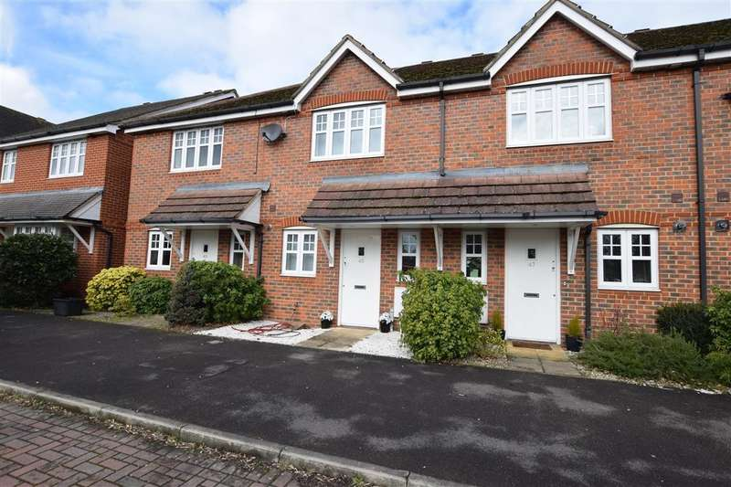 2 Bedrooms Terraced House for sale in Skylark Way, Shinfield, Reading, RG2