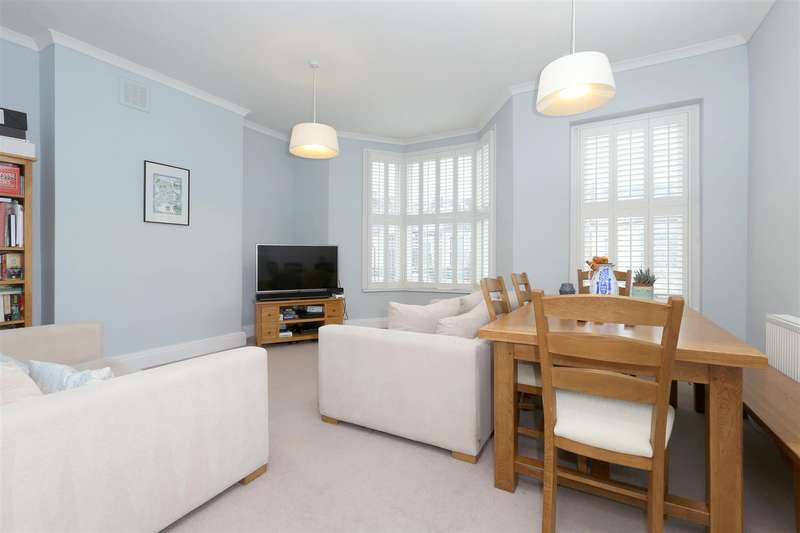 3 Bedrooms Flat for sale in Filey Avenue, London