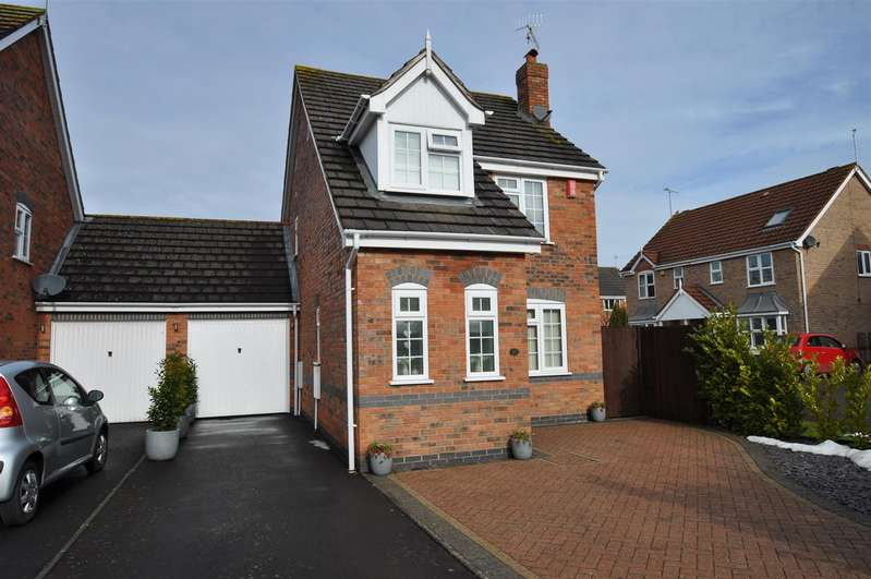 2 Bedrooms Detached House for sale in Showell Grove, The Ridings, Droitwich Spa