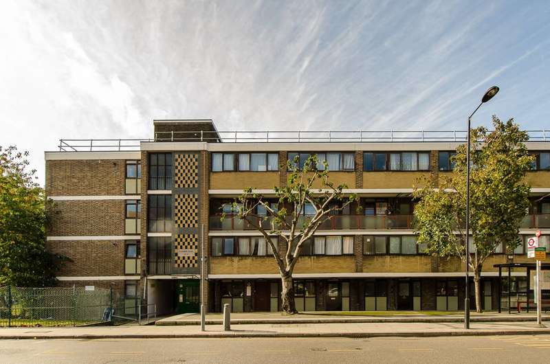 1 Bedroom Flat for sale in St Johns Estate, Hoxton, N1