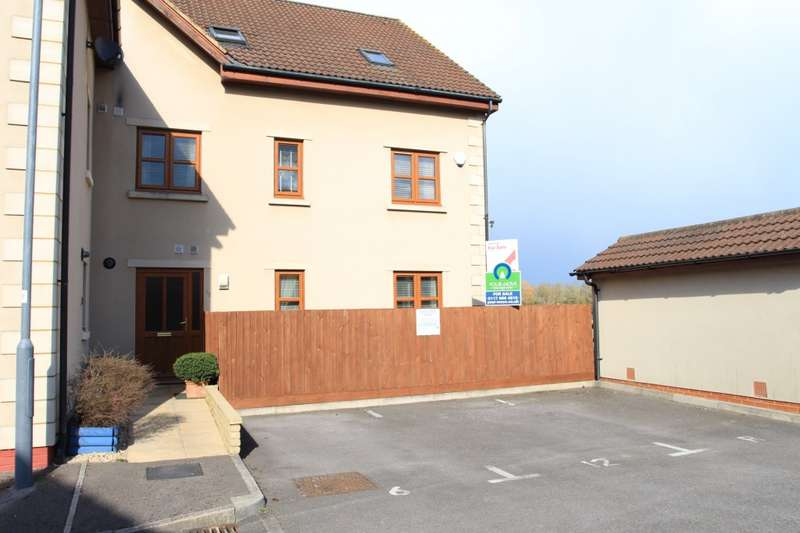 3 Bedrooms Apartment Flat for sale in Trescothick Close, Keynsham, BS31
