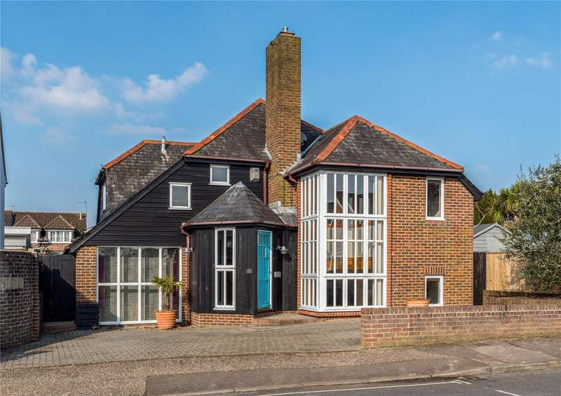 4 Bedrooms Detached House for sale in Litten Terrace, Chichester, West Sussex, PO19