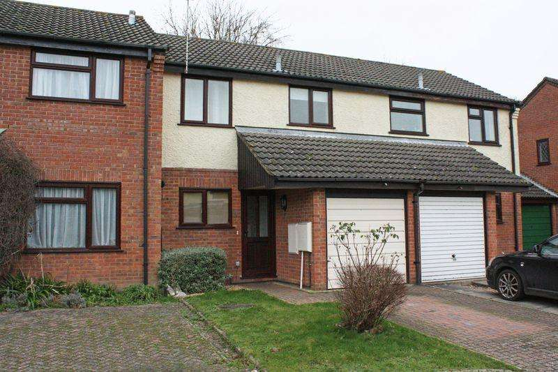 3 Bedrooms Terraced House for rent in West Totton