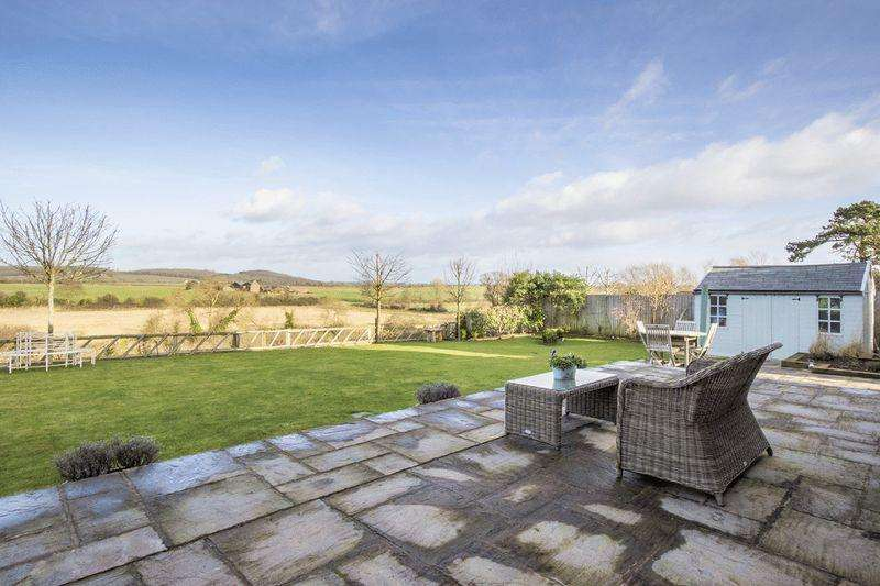 4 Bedrooms Detached House for sale in Welford on Avon, Warwickshire