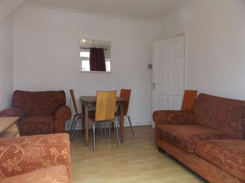 2 Bedrooms Ground Maisonette Flat for sale in Grove Road, Mitcham CR4