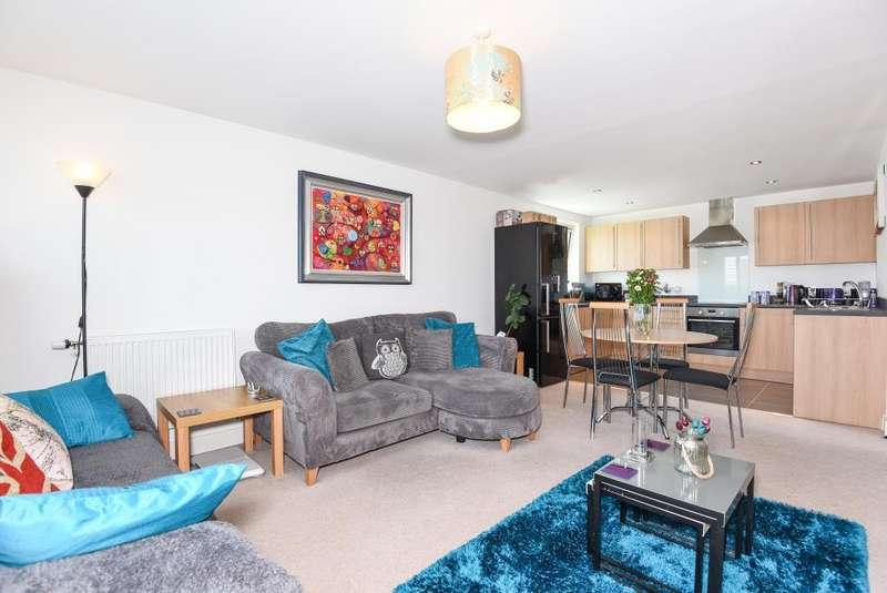 2 Bedrooms Flat for sale in Park Way, Newbury, RG14