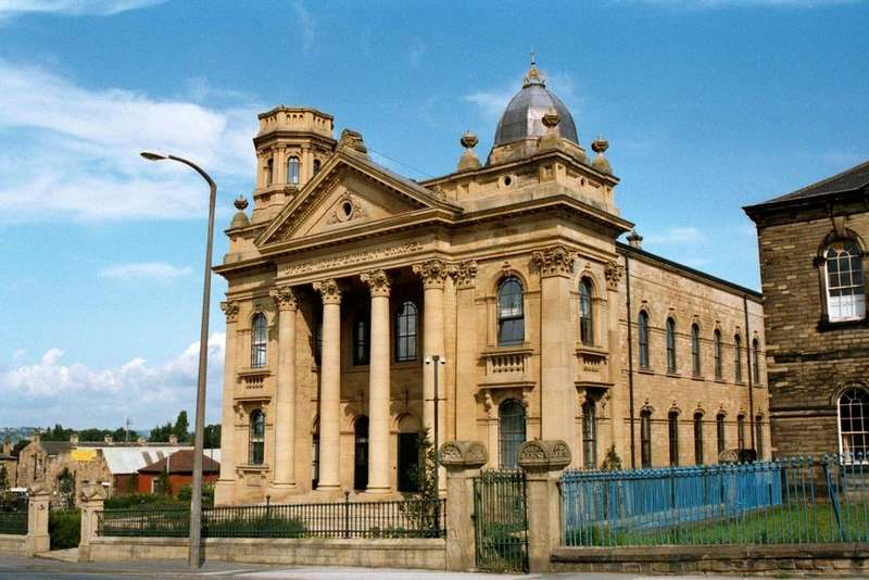 3 Bedrooms Apartment Flat for sale in Independent House, 125 High Street, Heckmondwike, West Yorkshire, WF16