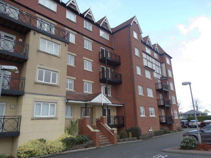 2 Bedrooms Apartment Flat for sale in St Trillos Court, Colwyn Bay