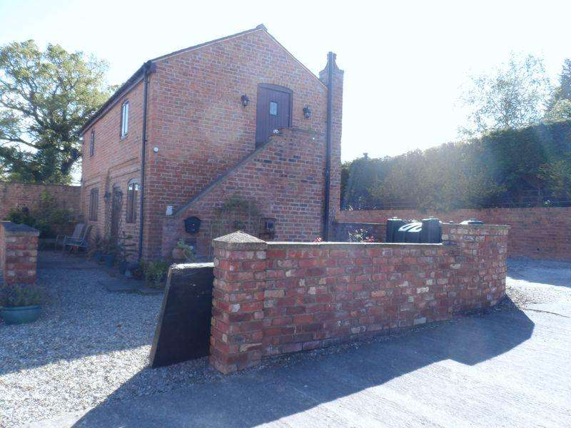 2 Bedrooms Detached House for rent in The Old Coach House, Bangor On Dee.