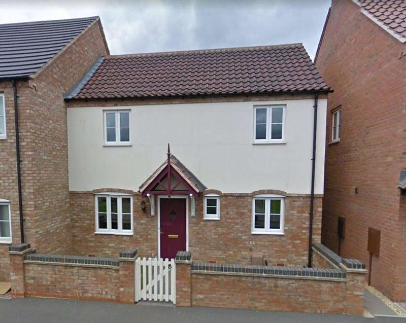 3 Bedrooms Semi Detached House for rent in The Square , , Kirton
