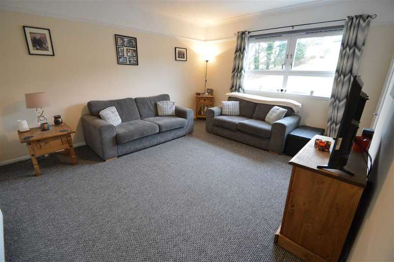2 Bedrooms Apartment Flat for sale in Langcroft Drive, Cambuslang