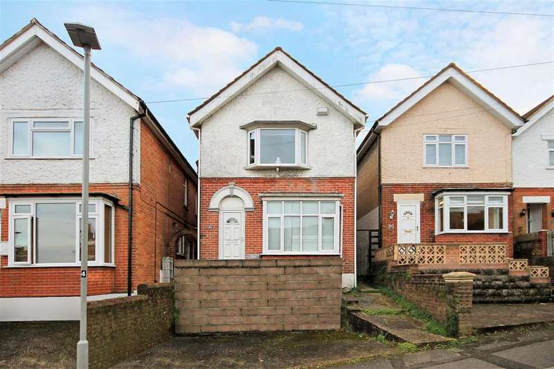 4 Bedrooms Detached House for sale in Douglas Road, Poole