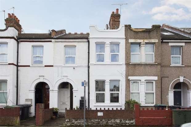 2 Bedrooms Flat for sale in Hawke Park Road, Wood Green, N22