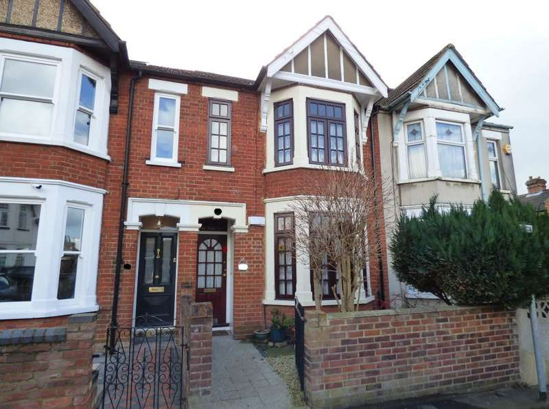 3 Bedrooms Terraced House for sale in Winifred Road, Bedford, MK40 4ES