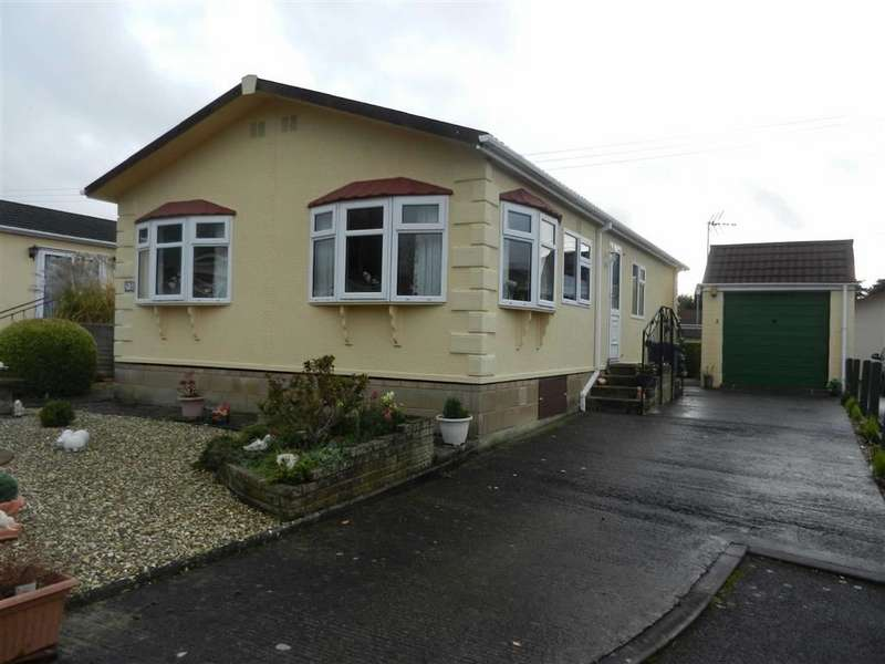 2 Bedrooms Park Home Mobile Home for sale in Birch Close, Cheltenham, Glos