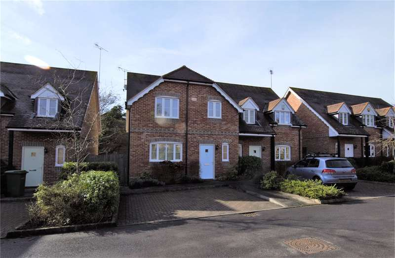3 Bedrooms Semi Detached House for rent in Blewburton Close, Mortimer, Reading, Berkshire, RG7