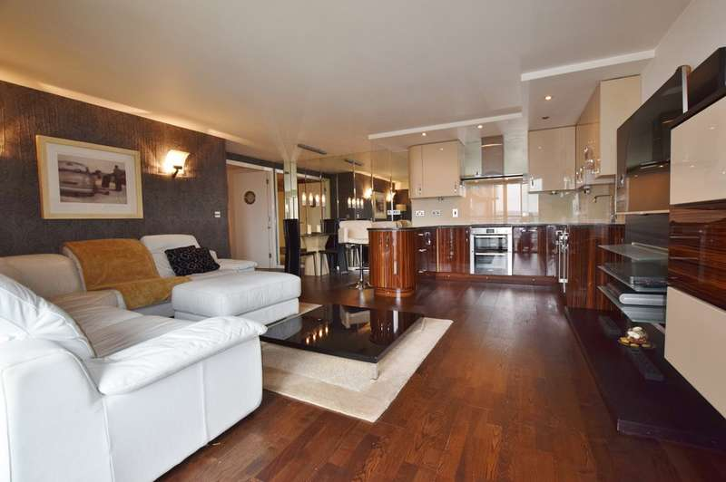 2 Bedrooms Apartment Flat for sale in Whitehall Waterfront, Riverside Way LS1