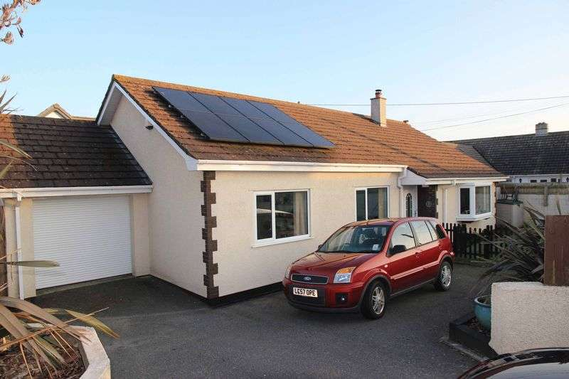 3 Bedrooms Property for sale in South Way Quintrell Downs, Newquay