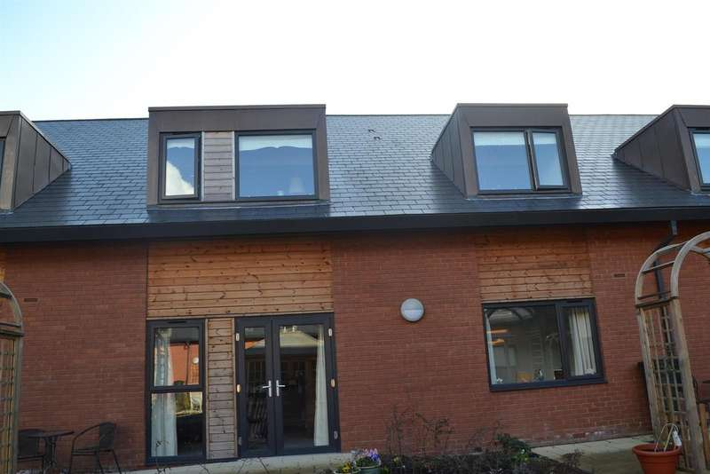 1 Bedroom Flat for sale in Hall Farm Road, Swadlincote