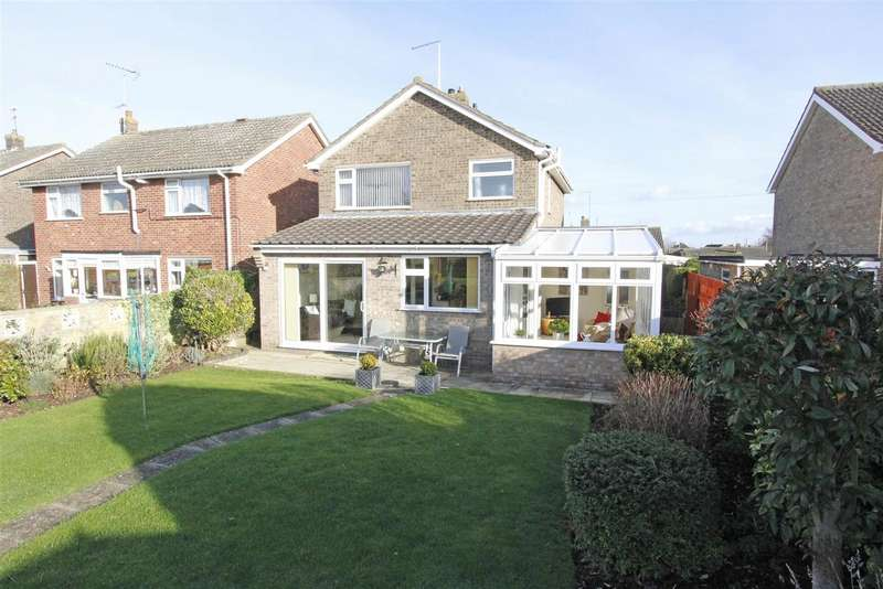 3 Bedrooms Property for sale in Fir Avenue, Bourne