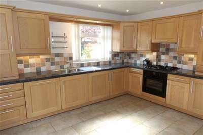 3 Bedrooms Semi Detached House for rent in Wollaton Vale, Wollaton NG8