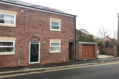 3 Bedrooms Mews House for rent in Beswick Street; Macclesfield. SK11