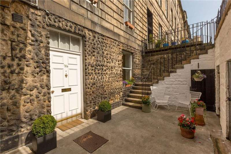 4 Bedrooms Flat for sale in Great King Street, Edinburgh, Midlothian, EH3