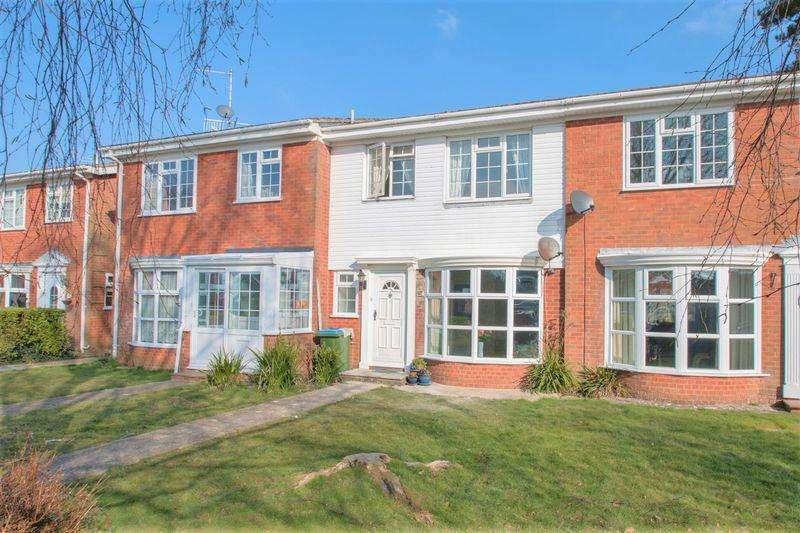 3 Bedrooms Terraced House for sale in Pinewood Gardens, Bognor Regis