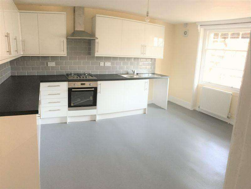 4 Bedrooms Flat for rent in Bath Place, Worthing