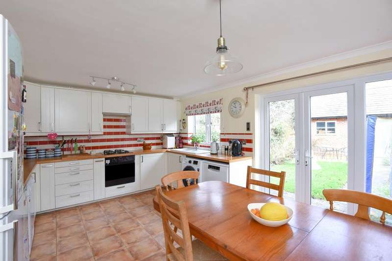 3 Bedrooms House for sale in The Leys, Chipping Norton, OX7