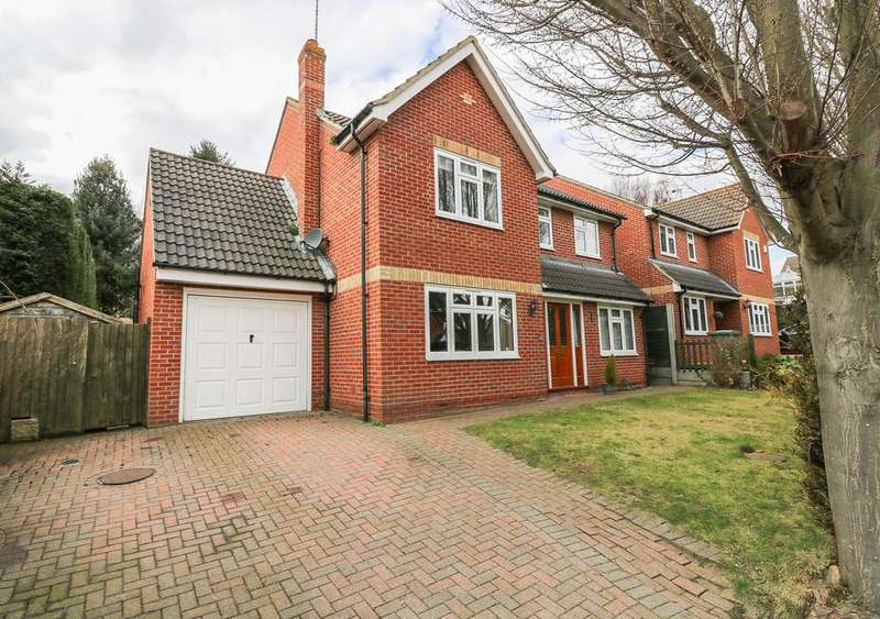 5 Bedrooms Detached House for sale in Gainsborough Close, Billericay CM11