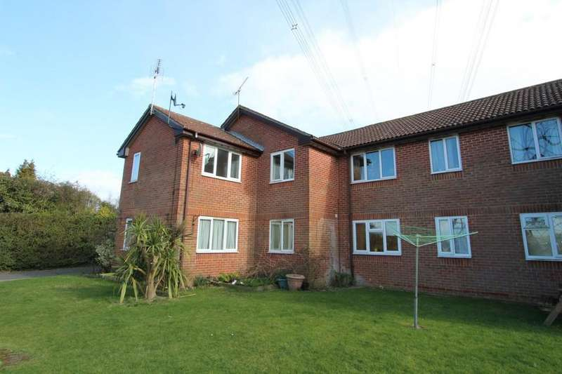2 Bedrooms Apartment Flat for rent in London Road, Clanfield