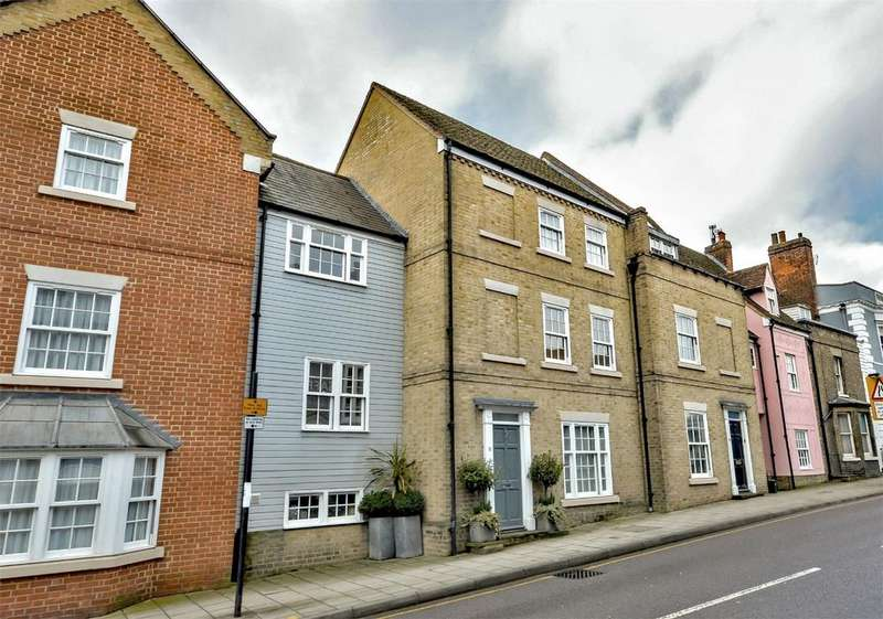 4 Bedrooms Town House for sale in 15 High Street, Saffron Walden