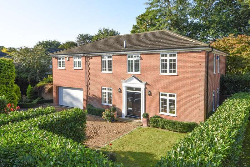 5 Bedrooms Detached House for sale in Charlton Kings, Weybridge KT13